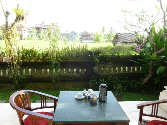 Permana Cottages: Terrasse