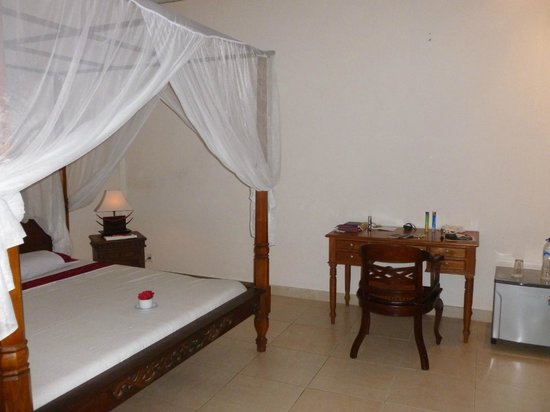 Permana Cottages: Fan Room