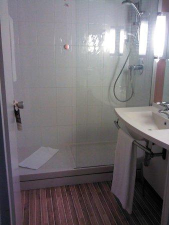 Ibis Verona: Bagno Ibis Hotel_00