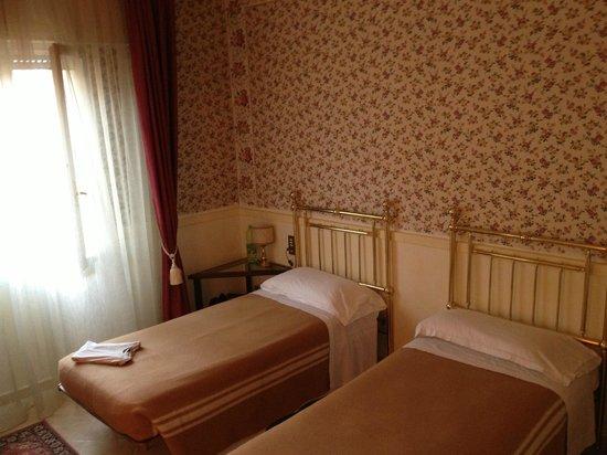 Hotel Roma : Zweibettzimmer