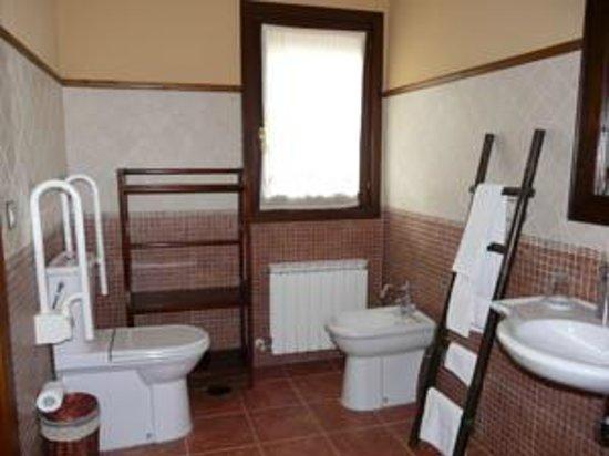 Casa Rural Haritzpe : Baño habitación