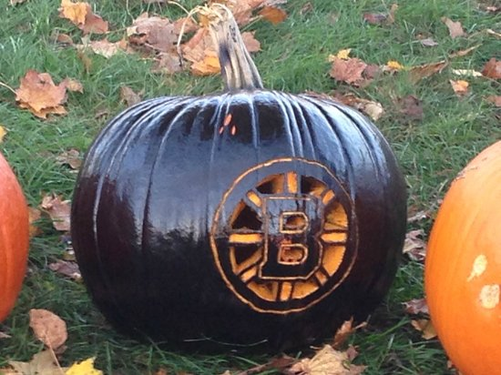 Hickory Ridge House Bed & Breakfast Inn : At the Pumpkin fest 'Let's go Bruins!""