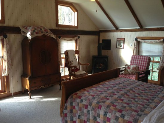 Hickory Ridge House Bed & Breakfast Inn: Our Room