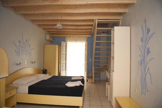 Angelina Apartments: bedroom