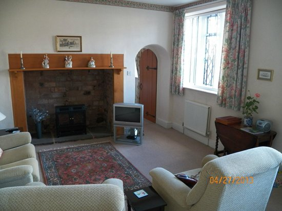 Tiverton Castle: The living room
