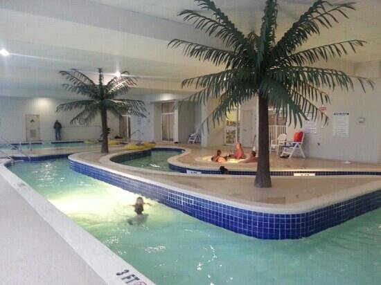 Sandy Beach Resort : The indoor lazy river