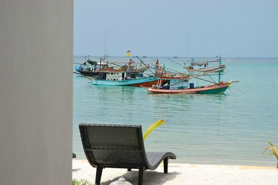 Mandalai Hotel: Terrace facing the fishermen's port