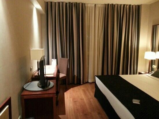 Eurostars Gran Madrid: habitaciones