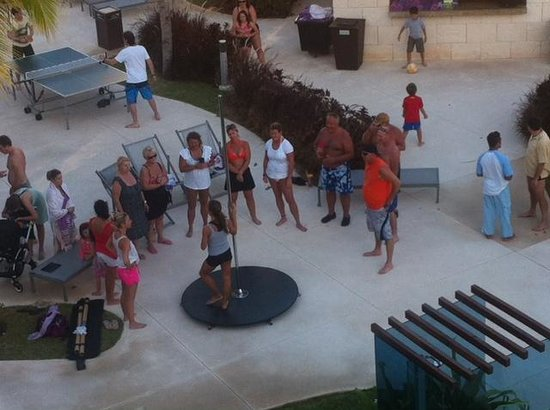 "Paradisus Playa Del Carmen La Esmeralda: Pole dancing lessons in front of kids in ""family area"""