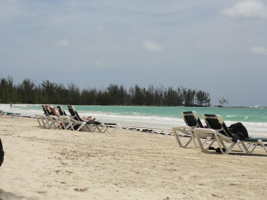 Island Seas Resort: Beautiful beach