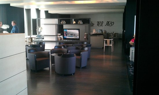 AC Hotel Sants : Lobby 2