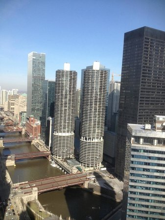 Hard Rock Hotel Chicago: Chicago River & Marina City (cover of Wilco's YHF)