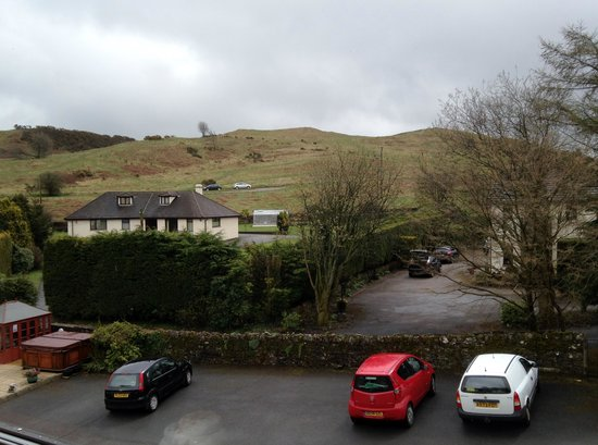 The Glen Guest House: The view