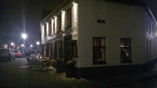 De Stoepa : By night