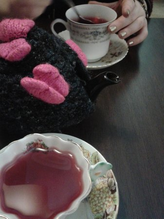 "Loopy Lorna's Tea House : Loopy Lorna's incredible ""Tooty Fruity"" tea!!"