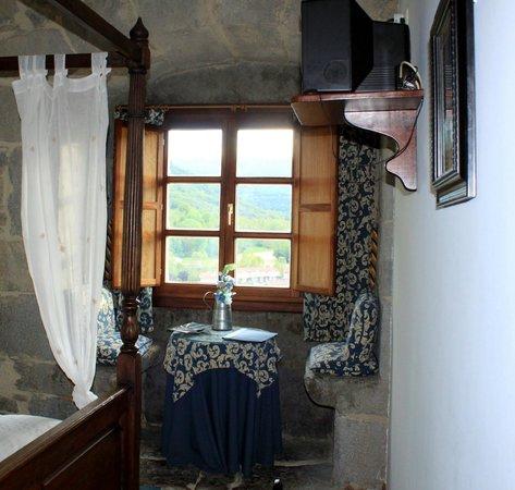 Hotel Torre de Artziniega: Dans notre chambre