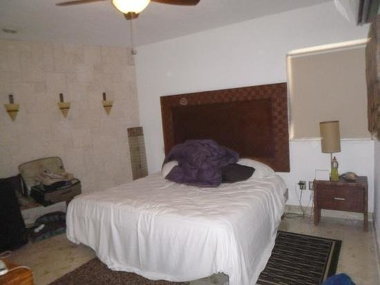 Corto Maltes Ocean Front Luxury Vacation Condos: master bedroom