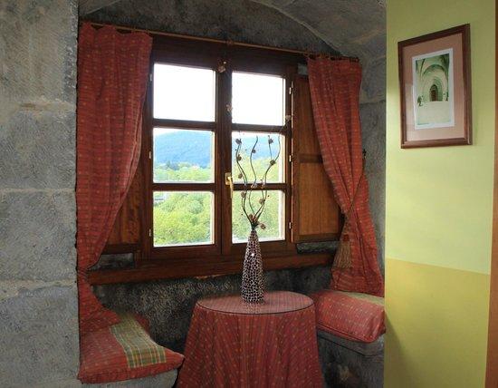 Hotel Torre de Artziniega: Petit coin au 3è étage, on peut s'asseoir et regarder la vue