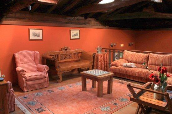 Hotel Torre de Artziniega: Salon/séjour