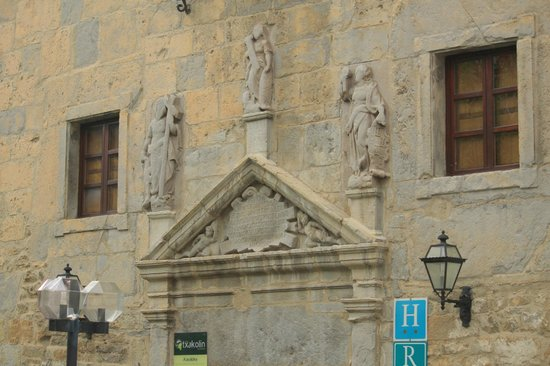 Hotel Torre de Artziniega: Entrée de l'hôtel