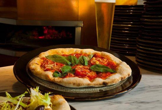 Figue Mediterranean Restaurant : Marguez Pizza