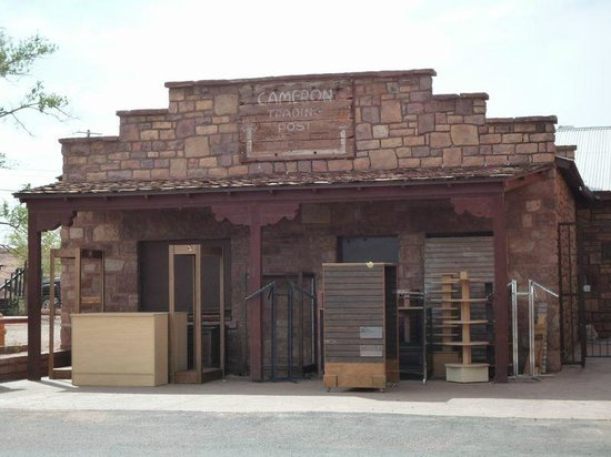 Cameron Trading Post : The Old Trading Post