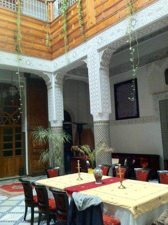 Riad Dar Dmana: zona giorno