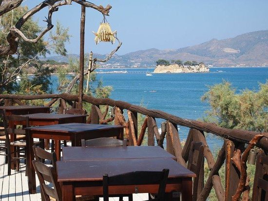 Gloria Maris Hotel: Restaurant terrace with a view