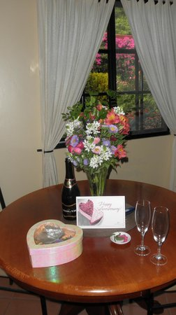 Boquete Garden Inn: our anniversary greeting