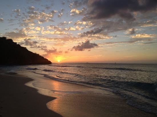 Galley Bay Resort: Sunset at Galley Bay
