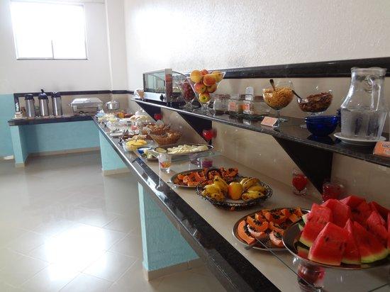 Hotel Sandis: Café da manhã