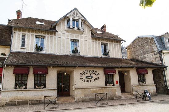 Hôtel Aux Blés d'Or : Отель Aux Bles d'Or, Пьерфон (Pierrefones), Франция