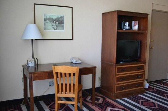 Nativo Lodge Albuquerque: Desk