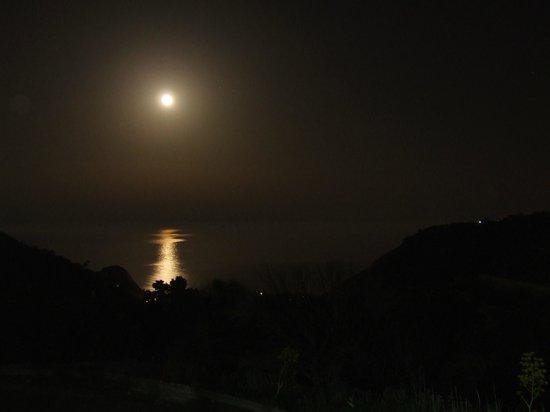 Vista Panoramica Dalla Verandina Con Luna Piena Sul Mare Foto Di