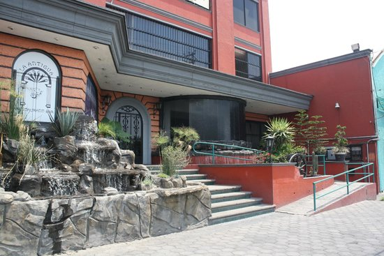 La Antigua Bodega: Fachada principal