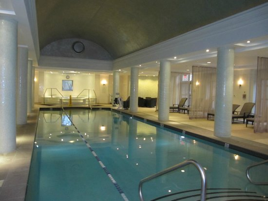 Hilton Short Hills: Indoor pool