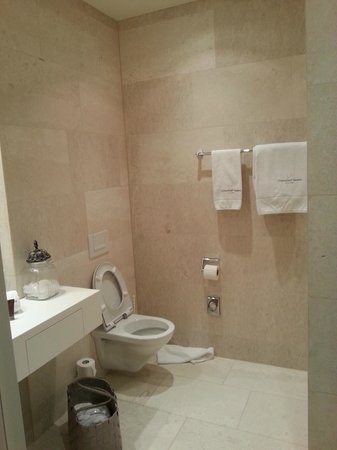 Limmathof Baden Hotel & Spa: Bathroom