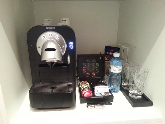 Limmathof Baden Hotel & Spa: Coffee Machine inside the room