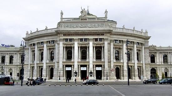 SCHINDL Local Services & Day Tours: Burgtheater.