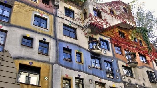 SCHINDL Local Services & Day Tours: Hundertwasserhaus. Beautiful design.