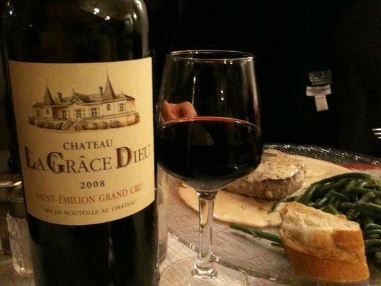 Xavier La Pizzaiola : Good wine at reasonable prices.