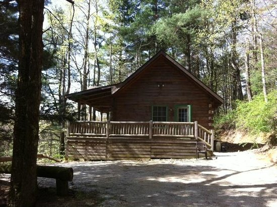 Montebello Camping and Fishing Resort: Seven Ridge Cabin