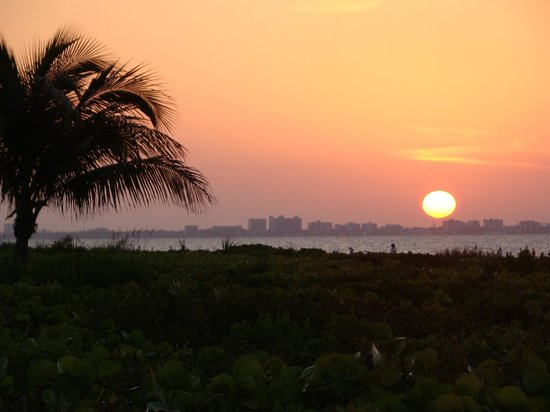 Sanibel Moorings Resort: Sunrise!