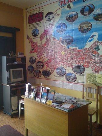 Lake Hostal : recepcion mas servicio de internet