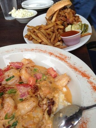 Rita's Seaside Grille: Shrimp and Grits, pulled pork sandwich. Great fries!