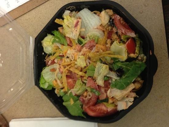 Boston Pizza: chipotle chicken salad - yum!