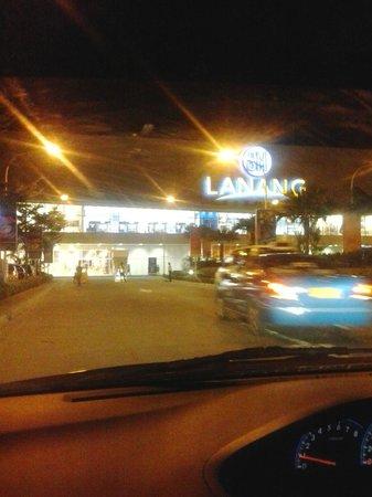SM Lanang Premier: sm lanang