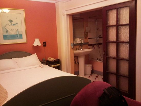 Bedford Regency Hotel: half the room shown...