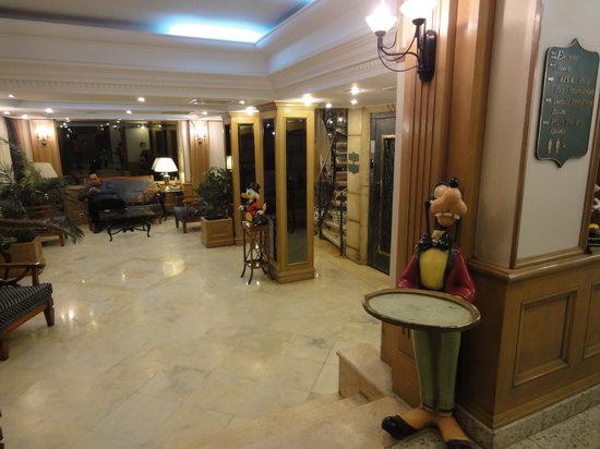 Cartoon Hotel: lobby