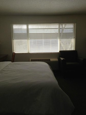 Ramada Rock Hill at Sullivan Center: Twin room!